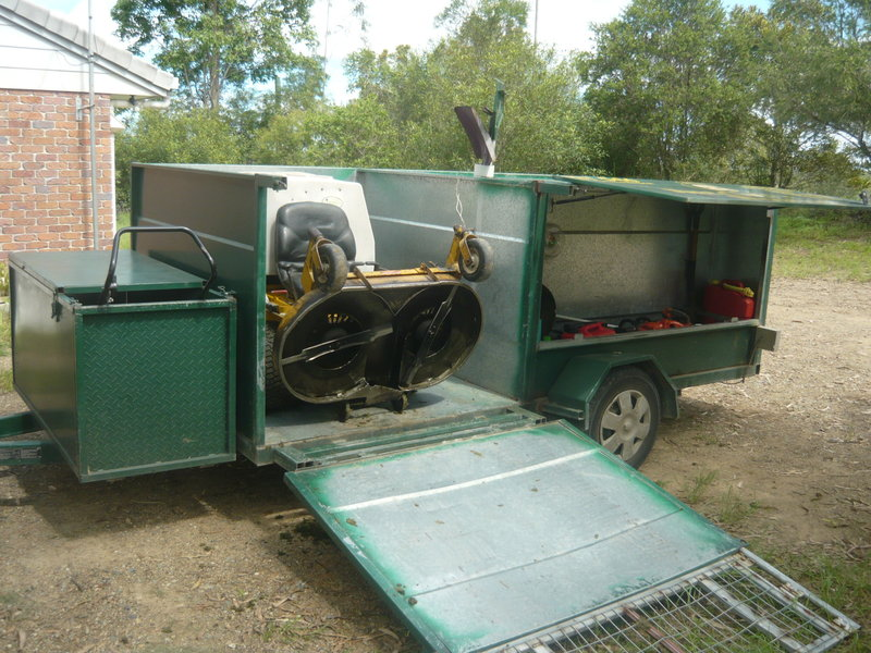 Large lawn mowing contractors trailer sunshine coast for Garden maintenance trailer