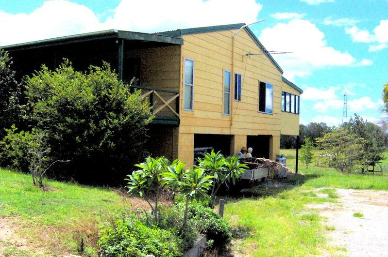 nice house on 20 acres just 10mn to gympie cbd sunshine